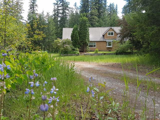 1218 YELLOWHEAD HIGHWAY E, Clearwater, 4 bed, 3 bath, at $695,000