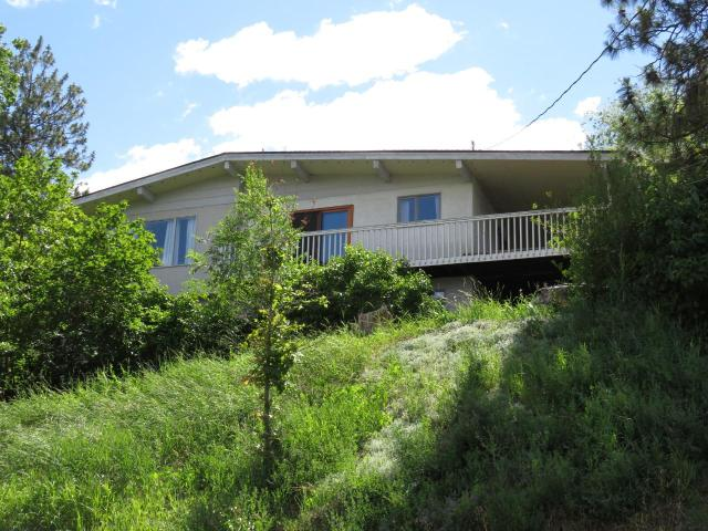 1189 FOXWOOD LANE, Kamloops, 3 bed, 2 bath, at $379,900