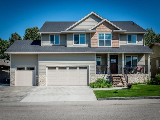 8949 GRIZZLY CRES, Kamloops, 4 bed, 4 bath, at $799,900