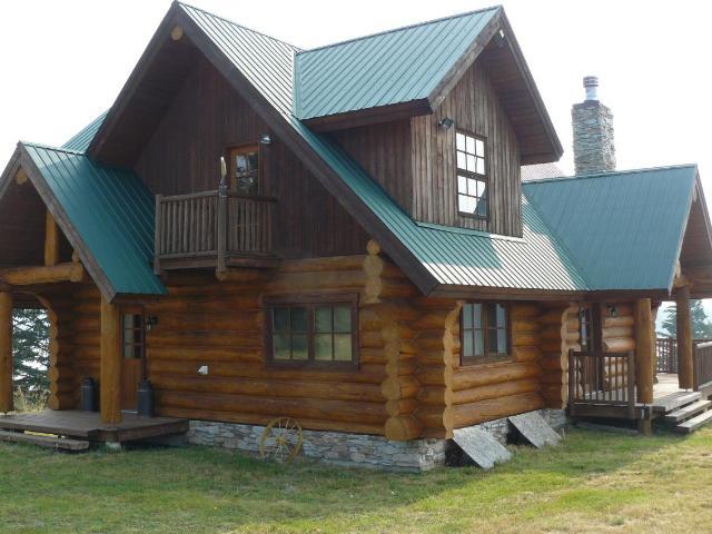 4052 CAMPBELL RANGE ROAD, Kamloops, 4 bed, 3 bath, at $960,000