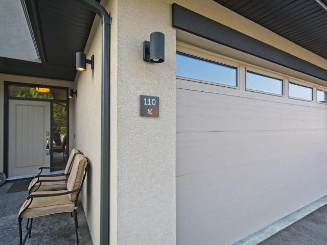 580 SEDONA DRIVE, Kamloops, 4 bed, 4 bath, at $599,900