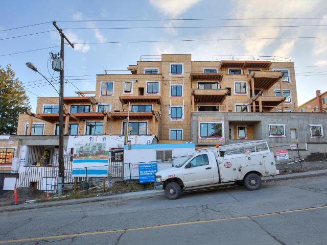 227 BATTLE STREET, Kamloops, 1 bed, 2 bath, at $424,900