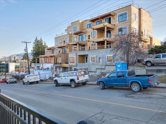 227 BATTLE STREET, Kamloops, 2 bed, 1 bath, at $419,900
