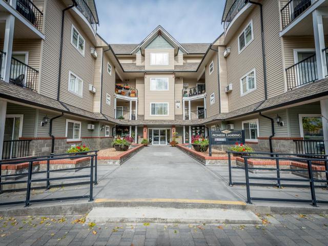 550 LORNE STREET, Kamloops, 2 bed, 2 bath, at $369,900