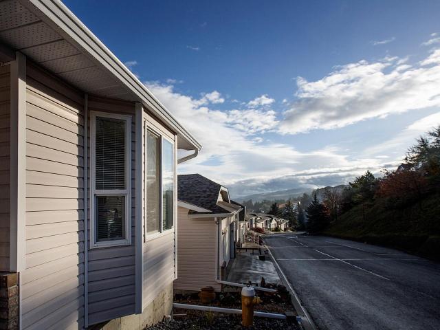 2022 PACIFIC WAY, Kamloops, 3 bed, 3 bath, at $419,900