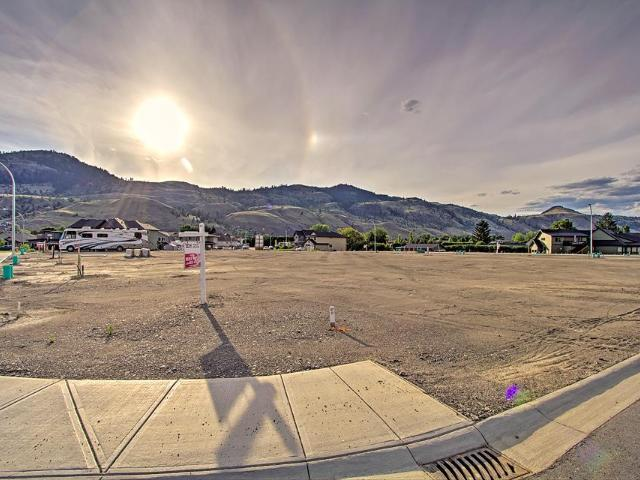 2734 BEACHMOUNT CRES, Kamloops, at $244,950