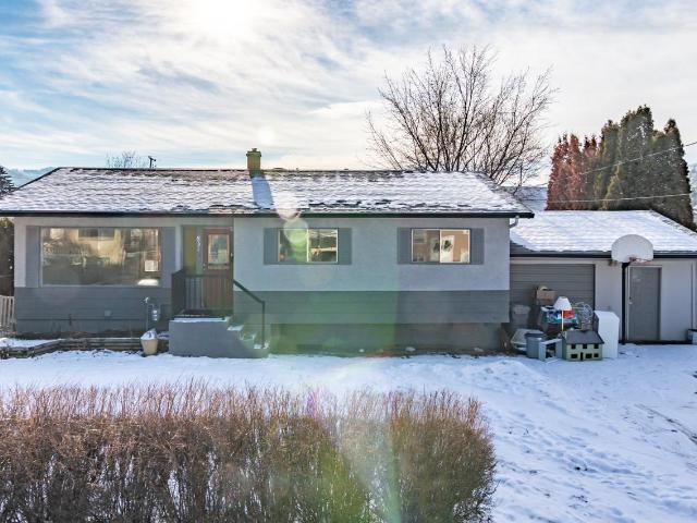 831 GREENACRES ROAD, Kamloops, 4 bed, 2 bath, at $399,000