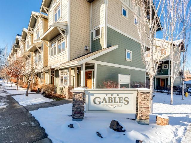 576 NICOLA STREET, Kamloops, 3 bed, 3 bath, at $487,500
