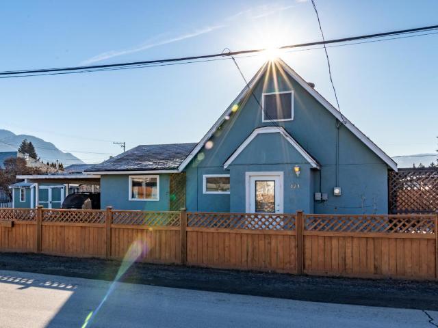 121 PARK STREET, Kamloops, 3 bed, 1 bath, at $329,000