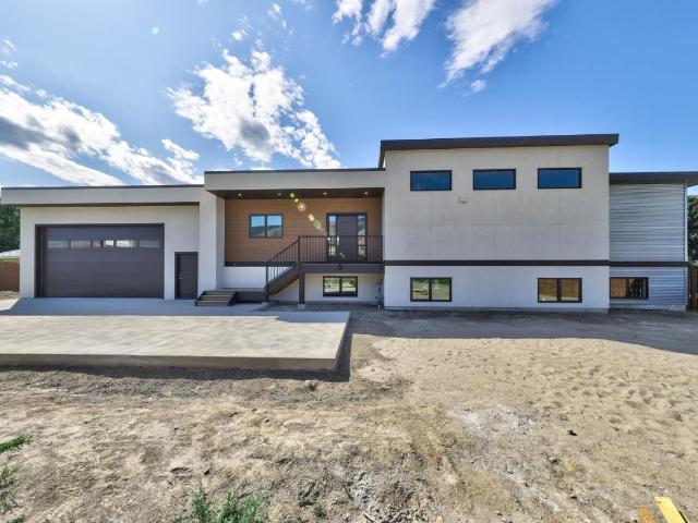 2539 SUNSET DRIVE, Kamloops, 3 bed, 3 bath, at $824,900