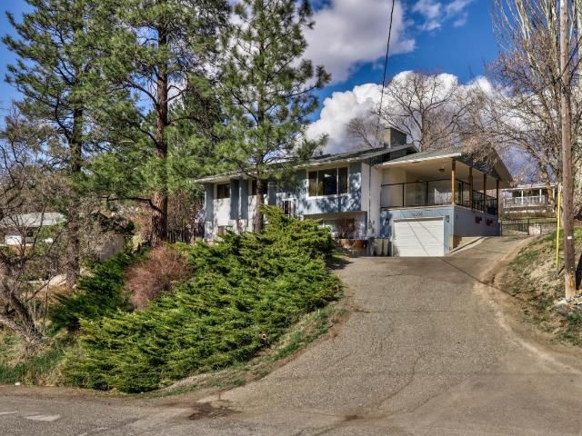 1206 HIGHRIDGE DRIVE, Kamloops, 5 bed, 2 bath, at $499,900