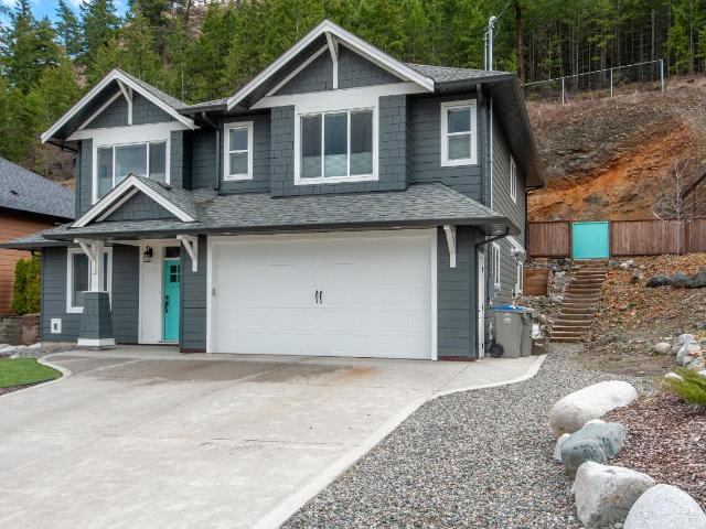 4984 WOODLAND CRT, Kamloops, 4 bed, 3 bath, at $599,900