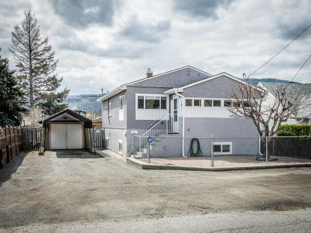1025 SURREY AVE, Kamloops, 5 bed, 2 bath, at $414,900
