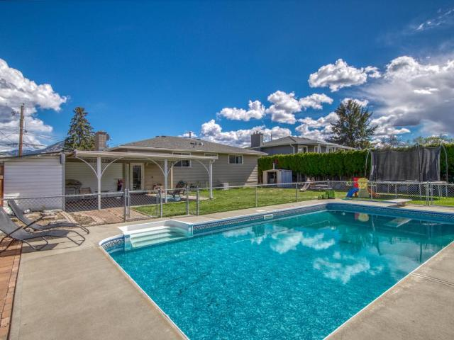 1074 NICOLANI DRIVE, Kamloops, 5 bed, 3 bath, at $489,900