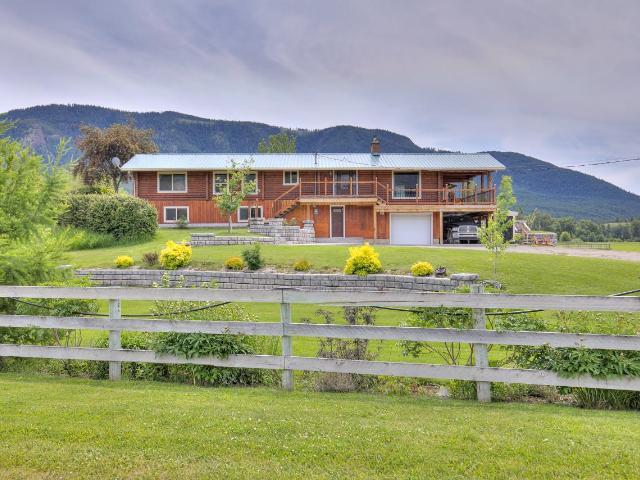 5498 KAMLOOPS VERNON HIGHWAY, Kamloops, 4 bed, 4 bath, at $1,250,000