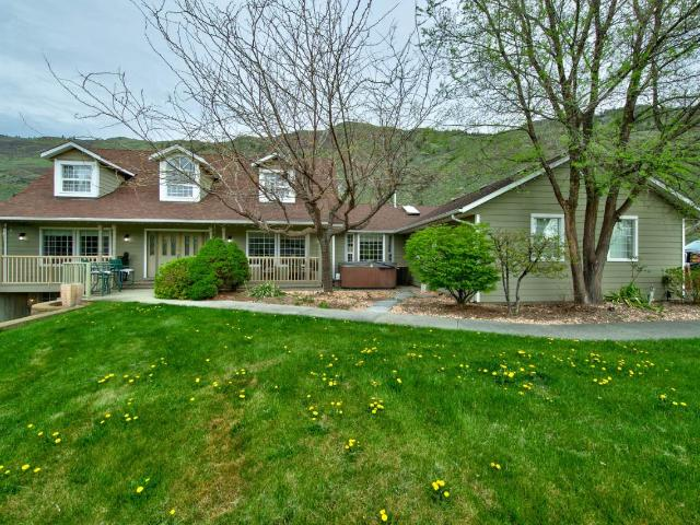 3335 SHUSWAP ROAD E, Kamloops, 3 bed, 4 bath, at $1,299,900