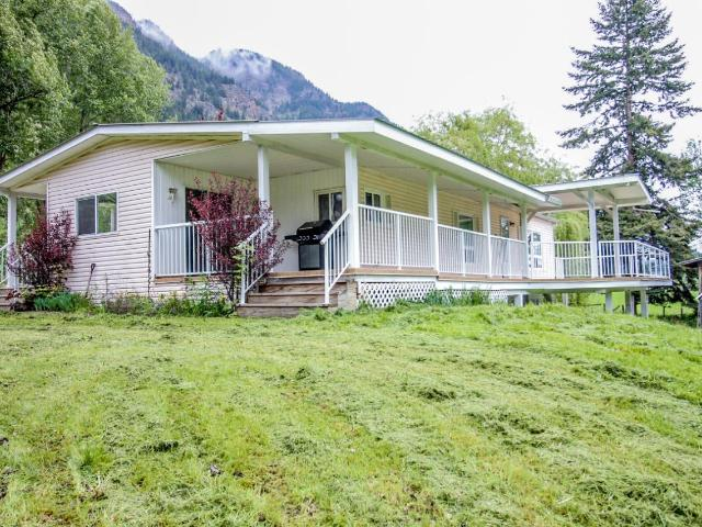 655 AGATE BAY ROAD, Barriere, 4 bed, 2 bath, at $369,900