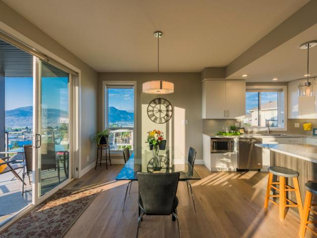 580 SEDONA DRIVE, Kamloops, 4 bed, 5 bath, at $599,500