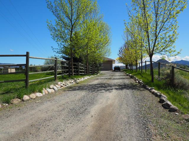 7100 BLACKWELL ROAD, Kamloops, 4 bed, 3 bath, at $995,000