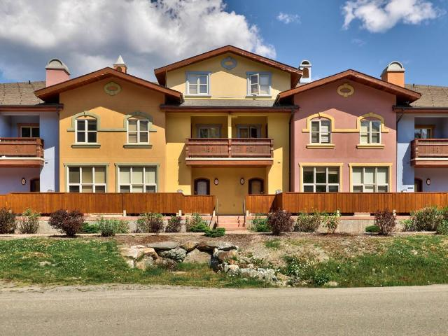 6005 VALLEY DRIVE, Kamloops, 3 bed, 3 bath, at $519,900