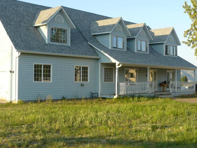 7650 BARNHARTVALE ROAD, Kamloops, 5 bed, 3 bath, at $699,000