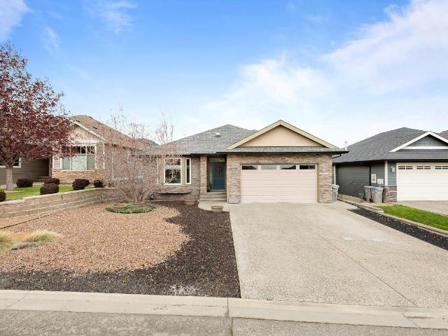 960 CANTLE DRIVE, Kamloops, 4 bed, 3 bath, at $609,900