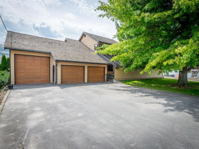 2487 TRANQUILLE ROAD, Kamloops, 3 bed, 4 bath, at $949,900