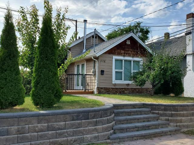 578 7TH AVE, Kamloops, 2 bed, 2 bath, at $419,900