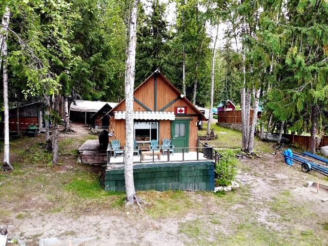 5553 BARRIERE LAKE FS ROAD E, Barriere, at $750,000
