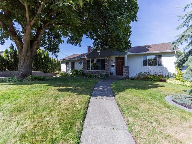 1376 6TH AVE, Kamloops, 3 bed, 2 bath, at $579,900