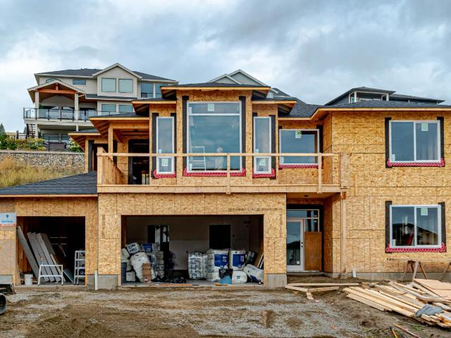 2193 LINFIELD DRIVE, Kamloops, 6 bed, 3 bath, at $744,900