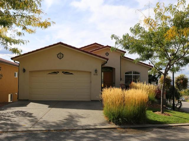 601 ROSEWOOD LANE, Kamloops, 3 bed, 3 bath, at $619,900