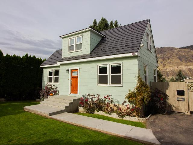 2196 CRESCENT DRIVE, Kamloops, 3 bed, 2 bath, at $495,000