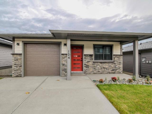 1323 KINROSS PLACE, Kamloops, 3 bed, 2 bath, at $434,900