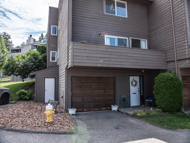 1810 SPRINGHILL DRIVE, Kamloops, 3 bed, 2 bath, at $314,900