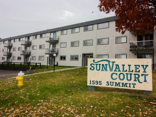 1595 SUMMIT DRIVE, Kamloops, 2 bed, 1 bath, at $209,900