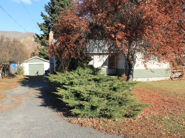 2334 PARKCREST AVE, Kamloops, 4 bed, 2 bath, at $370,000