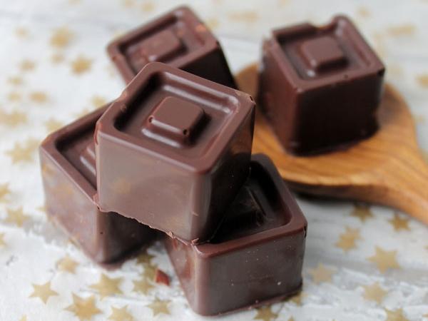Petits chocolats fourrés à la crème de marrons