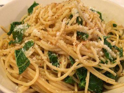Spaghetti aux chou kale et piment d'Espelette