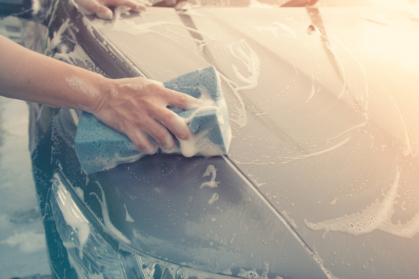 Can You Use Dish Soap To Wash A Car? - Meineke Blog