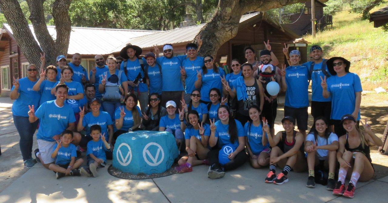 Circle v hike4kids 5 20 17  group by the rock v sign