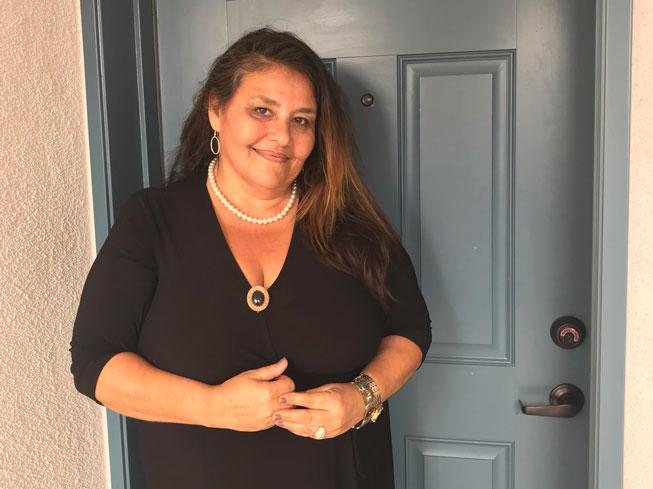 Sandy at door