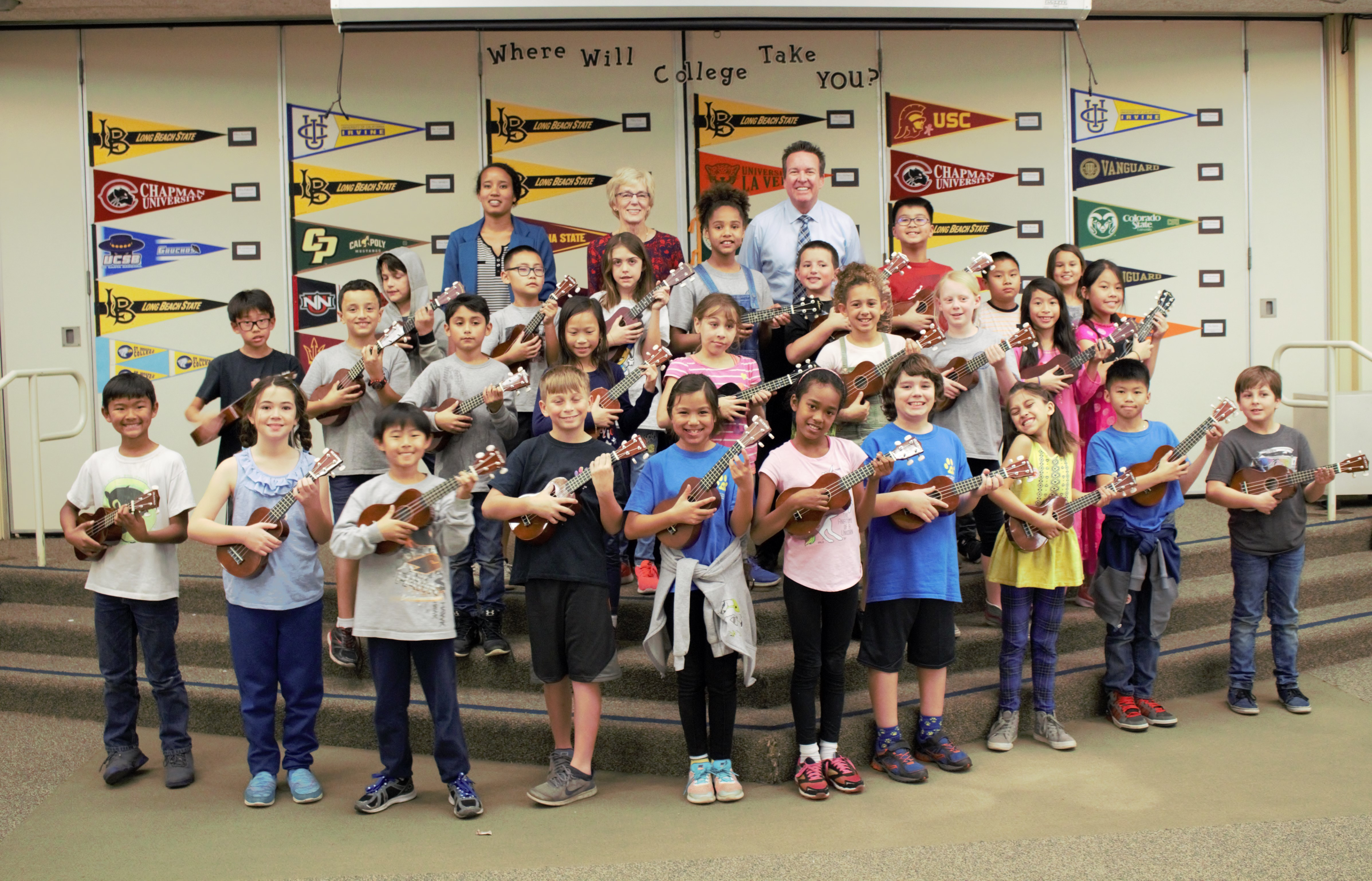 Fourth graders and their ukes