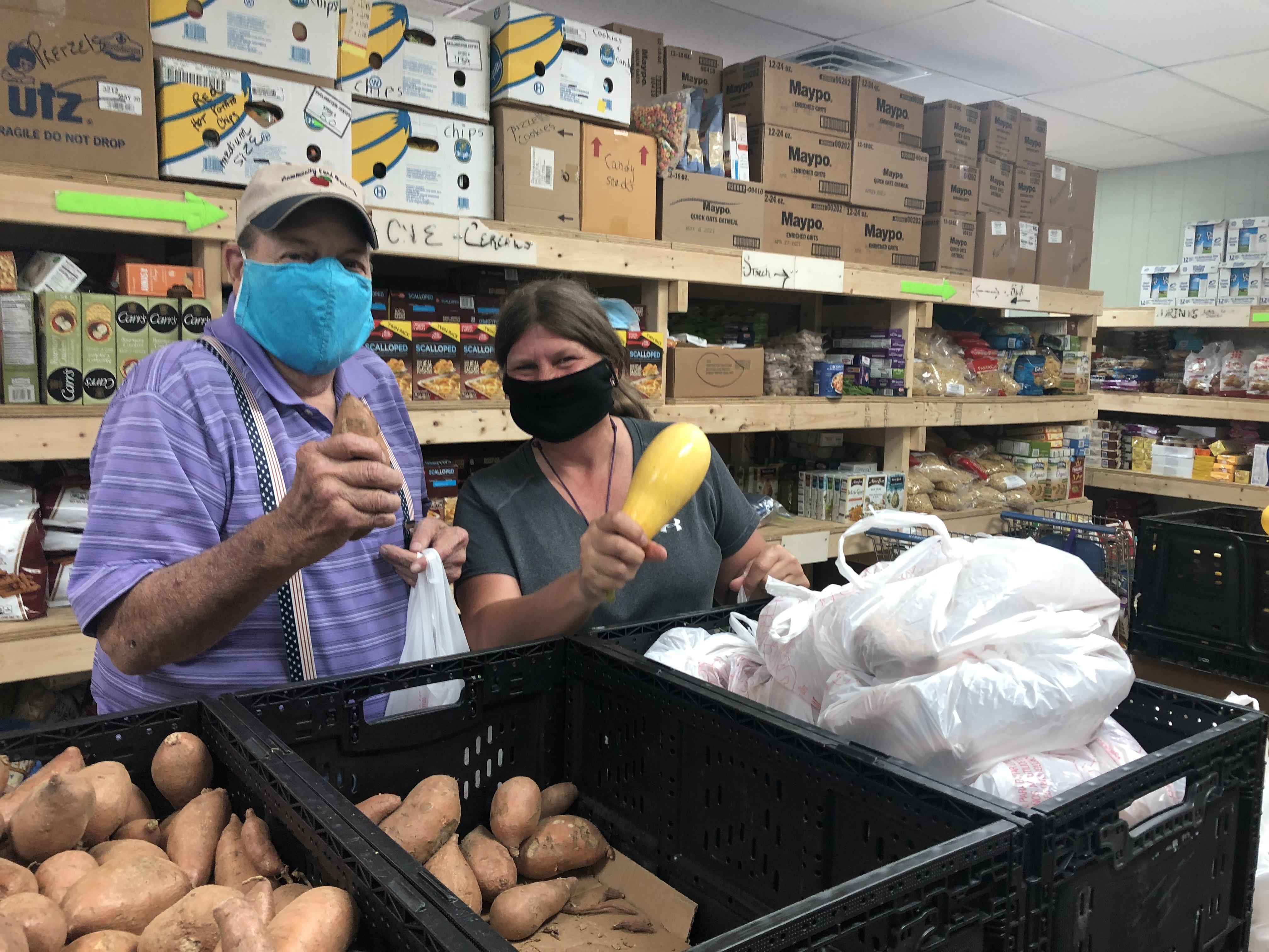 Edneyville food pantry volunteers 2 wayne meier holli mengel