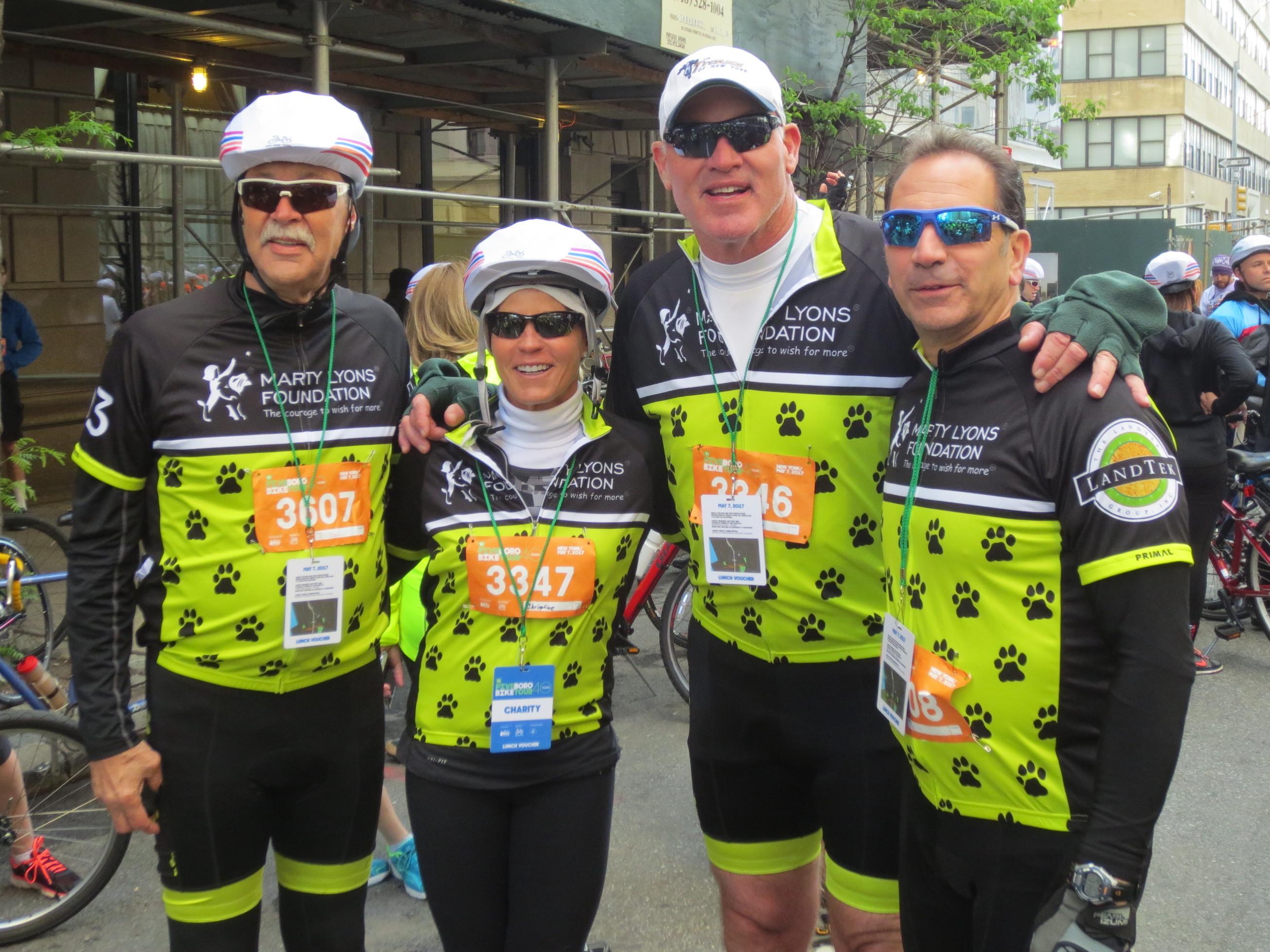 2017 td bike marty  christine  kenny schroy   dr. v