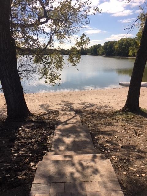 28 Acre Lake