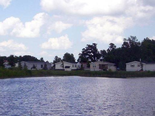 Photo of Mobile Home Park & Mobile Home Park in Mankato MN: University MHP - Directory