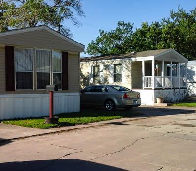 Affordable Mobile Home in Deer Park, TX
