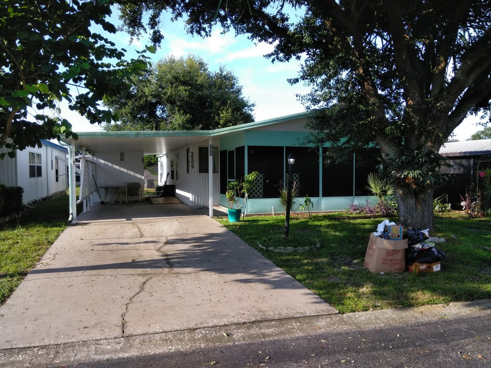 Mobile Home for Sale in Valrico, FL: Handyman Special! Great