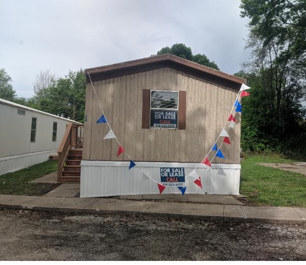 Mobile Home For Rent In Saint Joseph, MO: Pretty Two